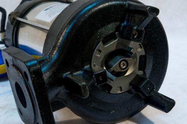 Фекальный насос с измельчителем VODOTOK WQ1500DF